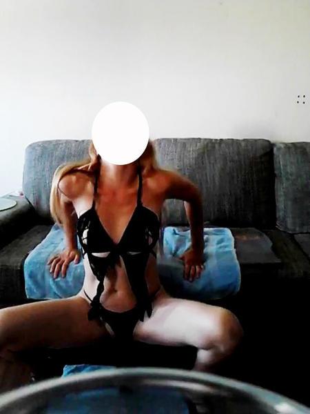 NewFantasy17, coppia scambista per incontri di sesso e scambio coppie in Genova, foto